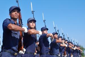 Revista Militar y desfile popular  en la Plaza